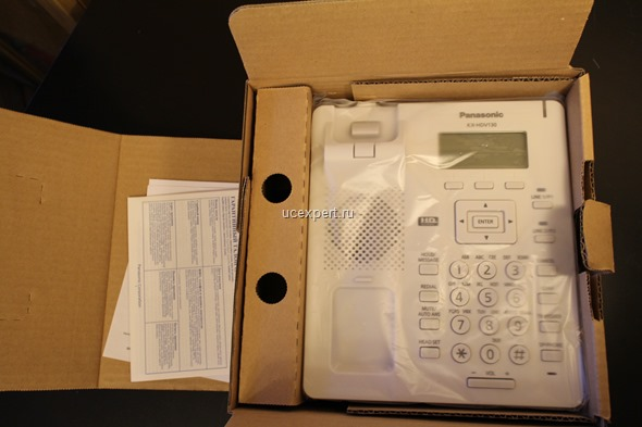 Телефон Panasonic KX-HDV130 в упаковке
